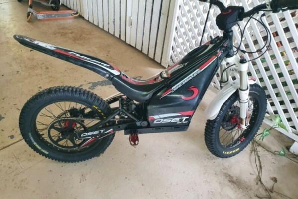 Motorcycle Oset 20R